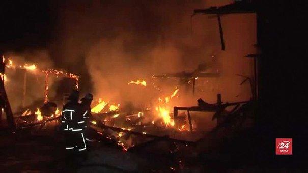 На Львівщині згоріли два житлові будинки