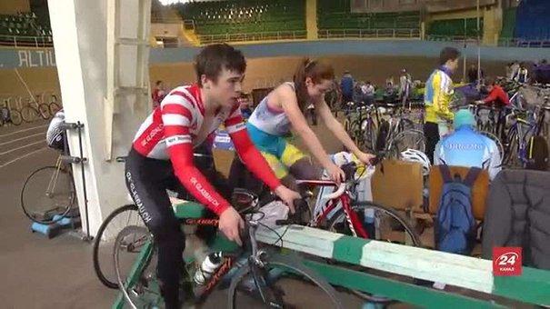 На львівському велотреку завершується перший у році чемпіонат України