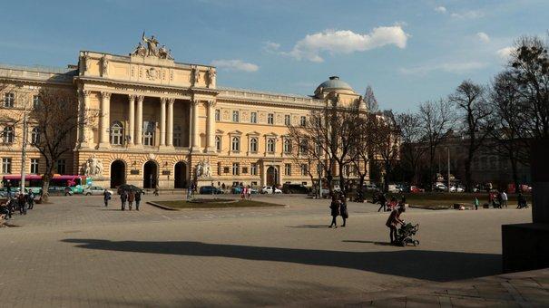 Депутати ЛМР погодили план реконструкції площі перед львівським університетом