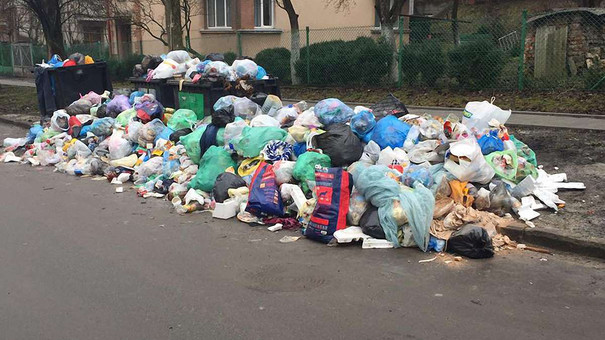 Львівська мерія повторно звернеться до уряду через критичну ситуацію з вивезенням сміття