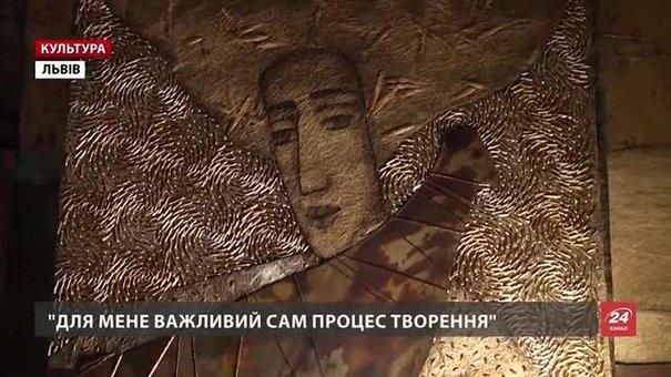Львів'янка Ярослава Ткачук тче унікальні гобелени з металом