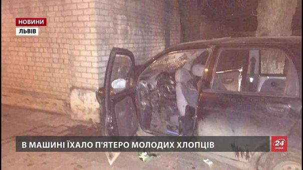 Медики розповіли про стан потерпілих після нічних ДТП у Львові