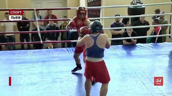 У Львові боксери змагаються за місце в обласній юніорській збірній