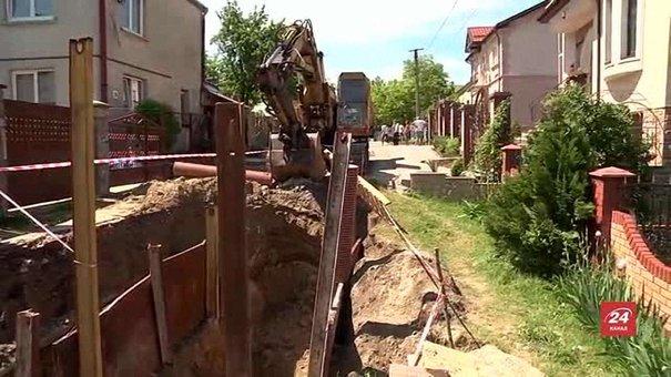 У Львові каналізують вулиці Личаківського району