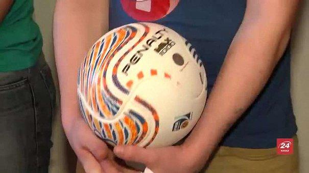 Дітей у львівському СІЗО відвідали футзалісти «Енергії»
