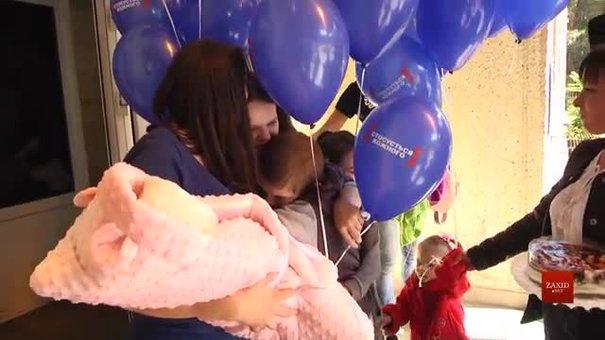 12-річна породілля з мамою підписали контракт про ток-шоу на телеканалі «Інтер»
