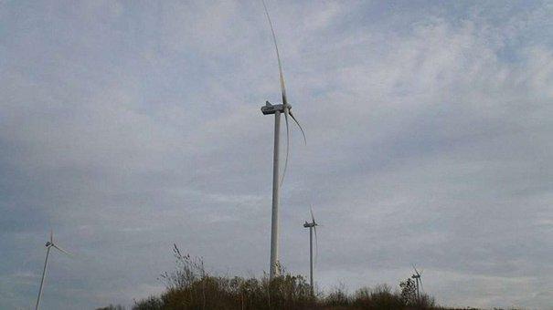 У Старому Самборі відкрили ще одну вітрову електростанцію