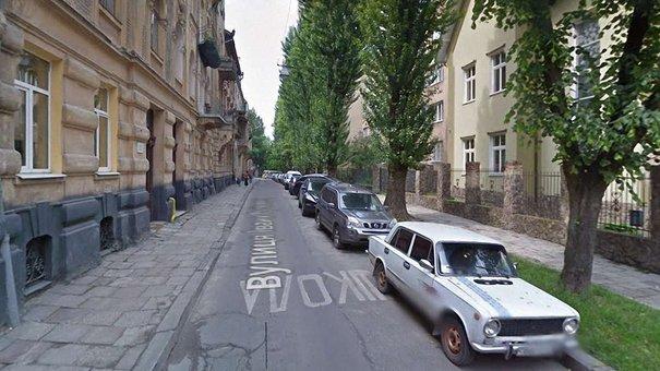 Знятою під час будівництва трамвая на Сихів бруківкою замостять тротуари на вул. Рутковича