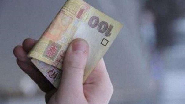 У Львові затримали порушника ПДР, що дав поліцейським 100 грн і поїхав геть