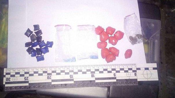 Вночі львівські патрульні затримали 22-річного наркокур'єра