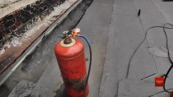 Через підозру витоку газу із будинку у центрі Львова евакуювали людей