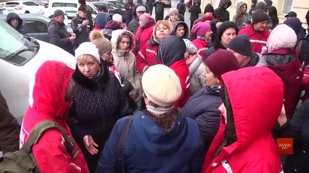 Львівська облрада підтримала підвищення зарплат медикам «швидкої»
