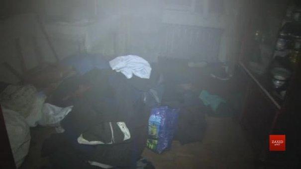 Під час пожежі у львівській квартирі врятували власника