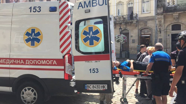 У центрі Львова серйозно травмувалась поліцейська велопатруля