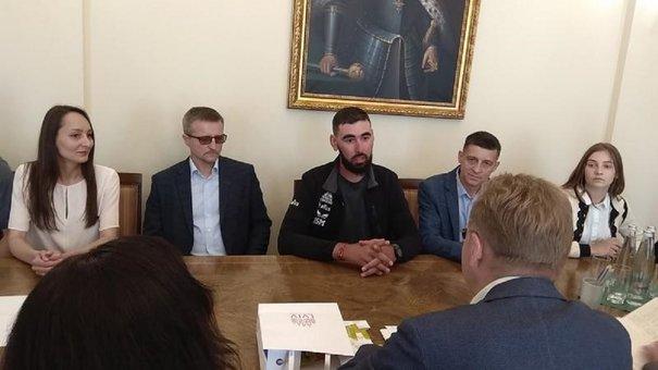 Львів відвідав мандрівник Ніко Амірґулашвілі, який пішки долає шлях від Вільнюса до Тбілісі