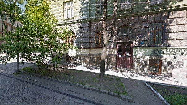 Вночі в офісі страхової компанії у центрі Львова виникла пожежа