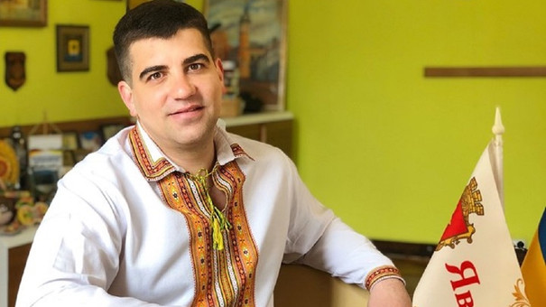 Мер Яворова сплатив борг військового містечка з власної зарплати