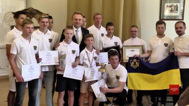 За перемогу у світовому турнірі футболісти дитячого клубу «КОПА» отримали премії від мера Львова