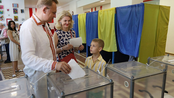 Міський голова Львова проголосував на позачергових парламентських виборах
