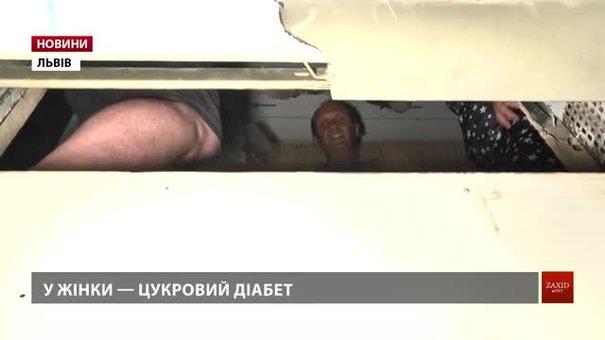 Люди, які на півдня застрягли у ліфті львівської новобудови, готові скаржитись у суд