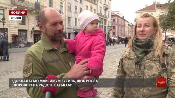Офіцерка ЗСУ Тетяна Науменко виховує в зоні ООС донечку