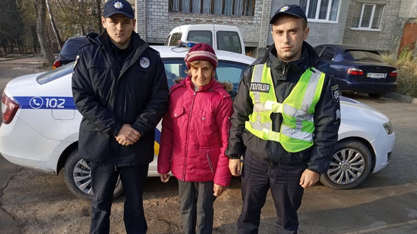 У Новому Роздолі поліцейські розшукали 86-річну жінку, яка дві доби блукала у лісі