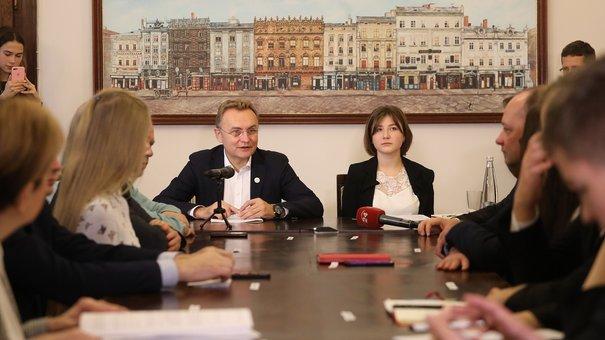 Львівські школярі на день стали керівниками міста