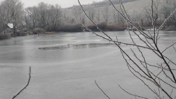 На Яворівщині четверо рибалок провалилися під лід, один із них загинув від переохолодження