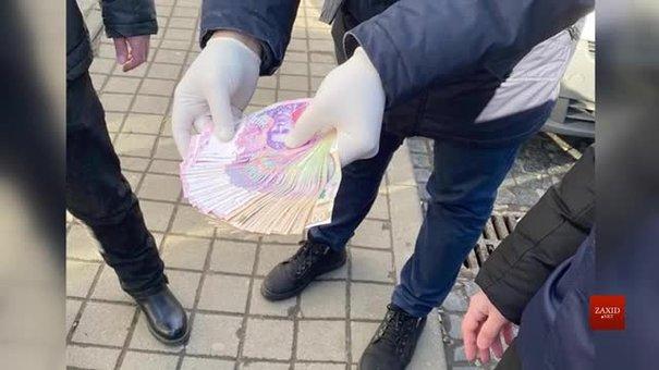 На хабарі затримали начальника відділу Держпродспоживслужби Львівщини