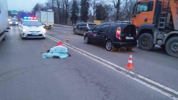 На вул. Липинського автомобіль збив на смерть 65-річну працівницю ШРП