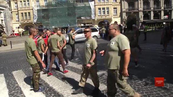 Скандальний учасник «бурштинових воєн» приїхав до Львова вимагати відставки Василя Віконського