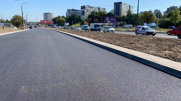 До кінця тижня у Львові відкриють рух реконструйованою вулицею Хуторівка