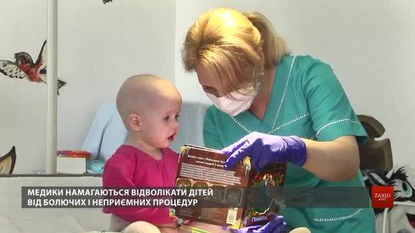 Благодійники збирають іграшки для онкохворих дітей у львівській лікарні