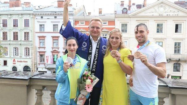 Андрій Садовий зустрівся з львівськими призерами Олімпіади