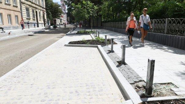 Вулицю Пекарську у Львові відкрили для проїзду транспорту