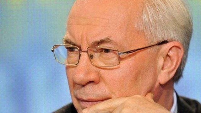 Азаров хоче втричі скоротити кількість ліків в Україні