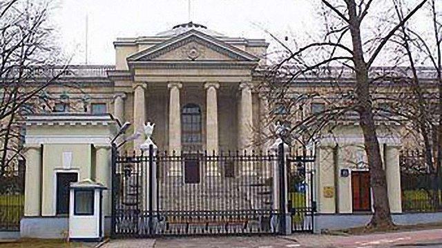 Посольство Росії розслідує інцидент з п'яним дипломатом в Польщі
