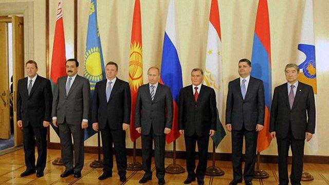 Янукович відправить на ЄврАзЕС посадових осіб