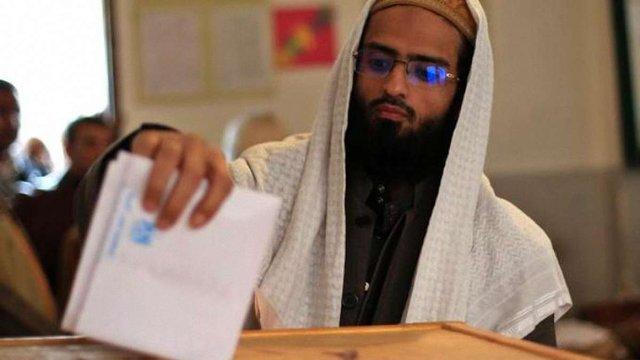 """У Єгипті на виборах лідирують заборонені при Мубараку """"Брати-мусульмани"""""""