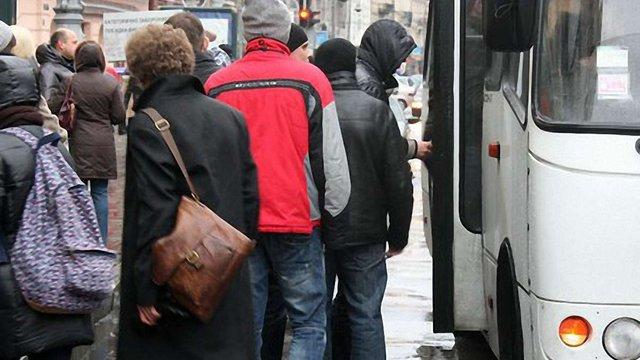 У Львові трьом водіям маршруток оголосили догани