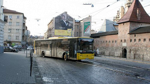 У Львові зняли 9 лазівських «трупів» з радіальних маршрутів