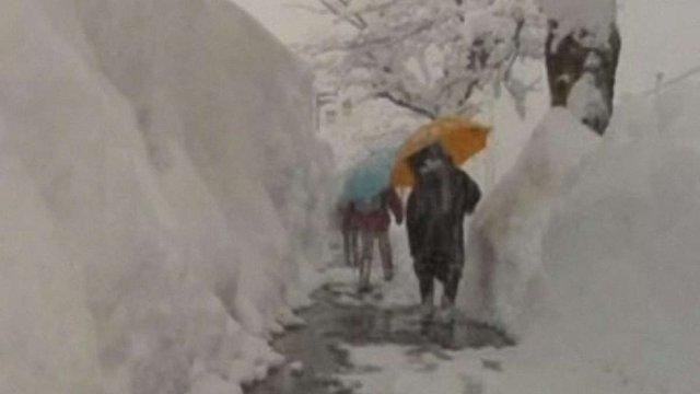 У Японії півсотні людей стали жертвами тривалого снігопаду