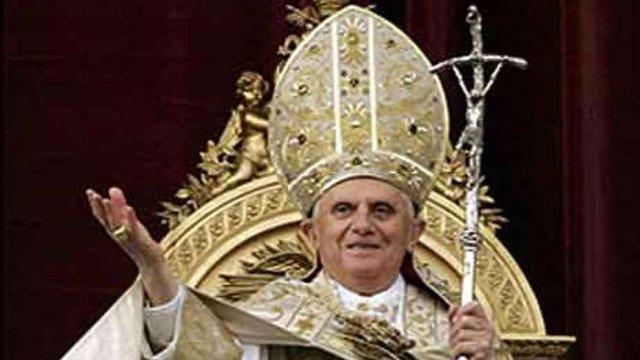 Папа Бенедикт XVI виголосив Великодню промову миру