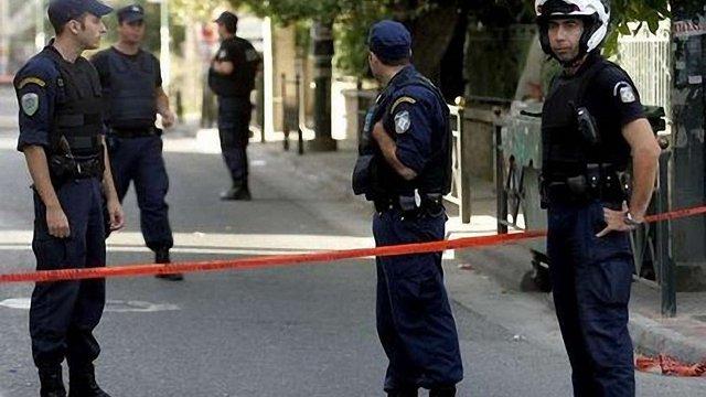 Греція, щоб наповнити бюджет, здаватиме в оренду поліцейських