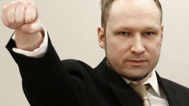 Брейвік заявляє, що вбив 77 людей з метою самозахисту