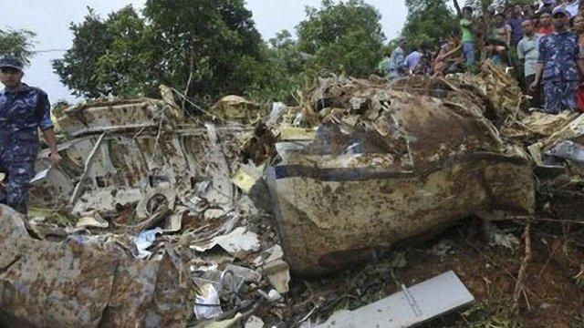 У Непалі розбився літак: вижило шестеро осіб