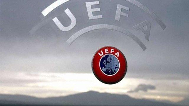 Польща звільнила УЄФА та футболістів від податків