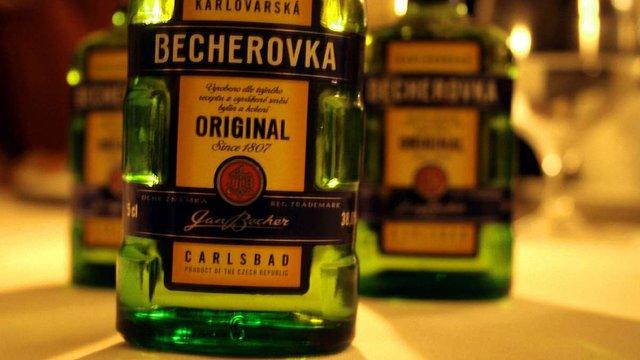 Польща призупинила продаж міцного чеського алкоголю