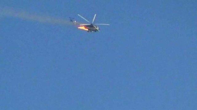 У Сирії військовий вертоліт при падінні зачепив пасажирський літак