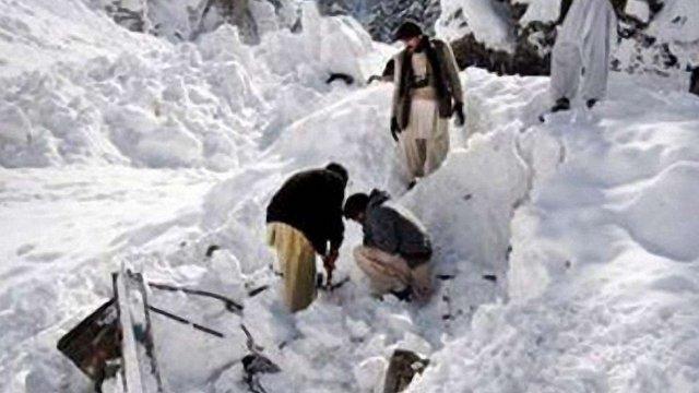 У Гімалаях при сходженні лавини загинуло 9 людей
